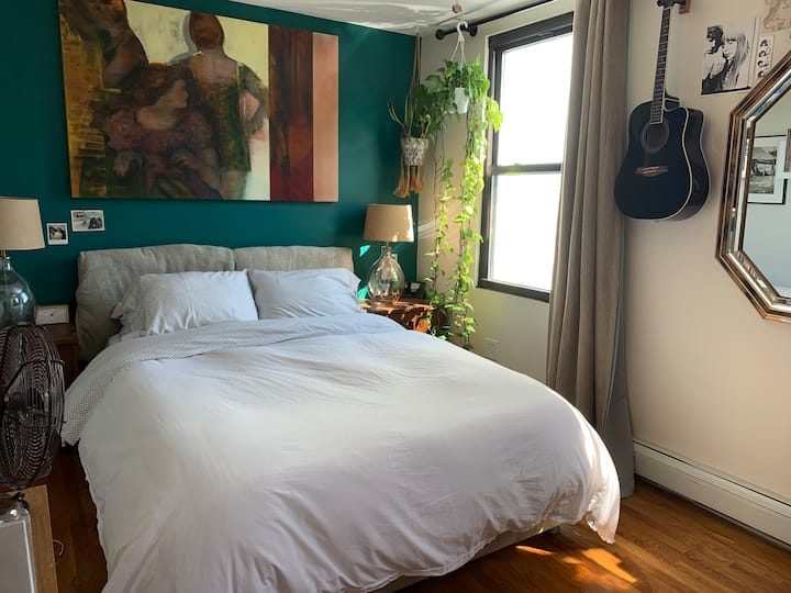 Sun Drenched Two Bedroom L Train, Dishwasher, Yard