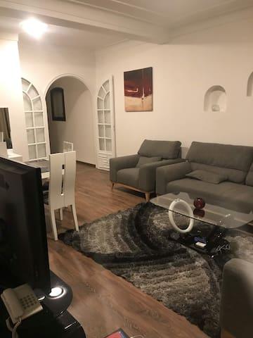 Très beau appartement bien situé à hydra