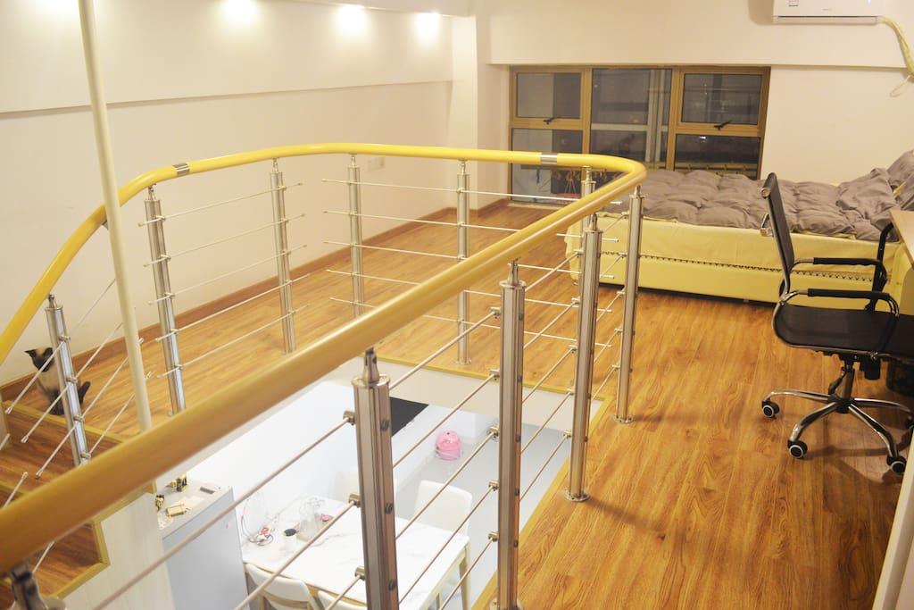 复式挑高loft公寓