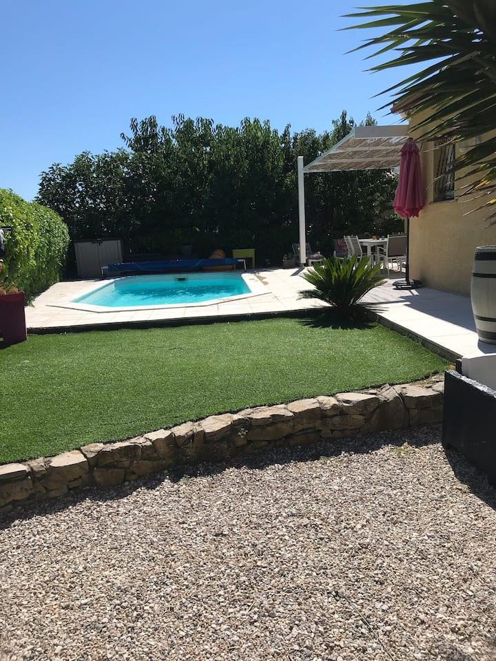 Villa plain pied avec piscine
