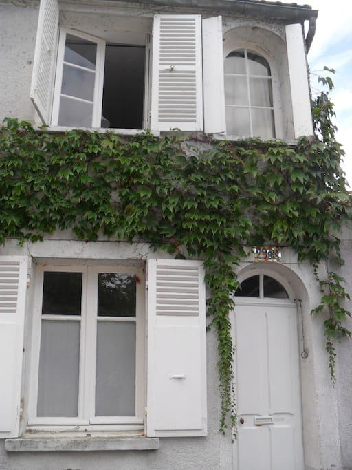 """Le rez de chaussée de la """"Maison de Joséphine"""" où ce trouve l'appartement"""