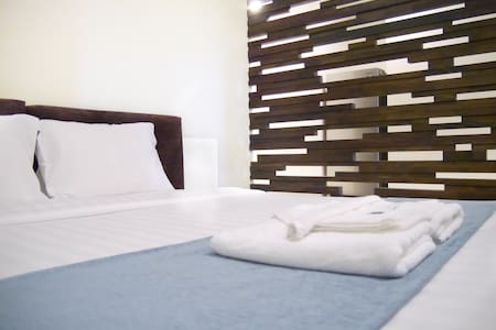 Studio apartment with gym and river view rooftop - Phnom Penh - Apartment