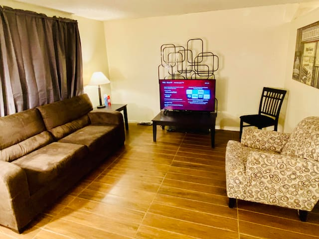 *BEST DEAL* COMPLETE APT BY FREMONT ST & LV STRIP
