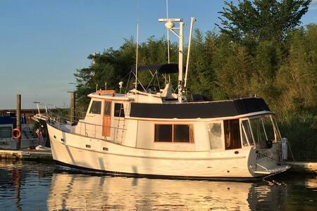 Houseboat Rental In Daytona Beach
