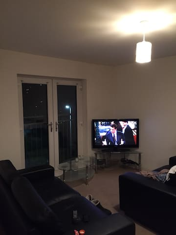 Double bed Room in city centre flat