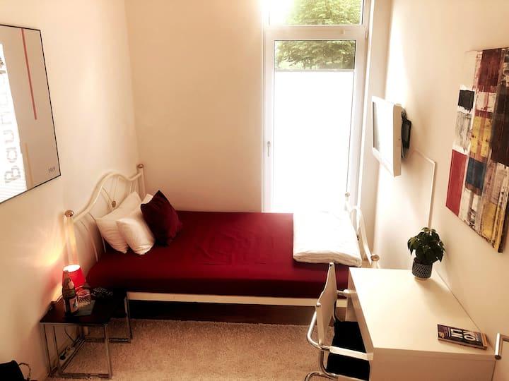*Exklusive Lage* Privatzimmer im Kölner-Süden