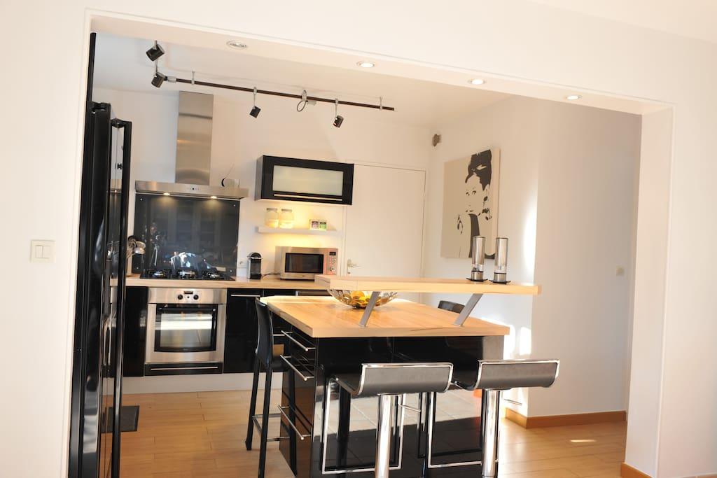 chambre bleue maison calme avec petit d jeuner maisons louer nantes pays de la loire. Black Bedroom Furniture Sets. Home Design Ideas