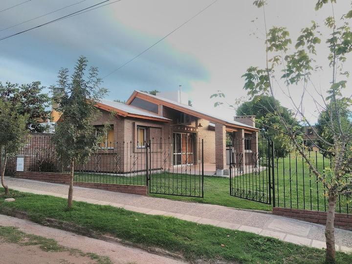 "Casa ""El Pehuén"" en Embalse, Calamuchita."