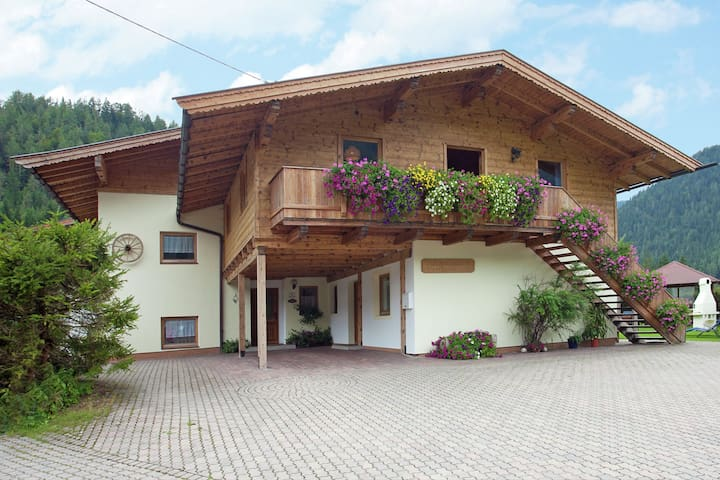 Charming Apartment with Shared Pool in Waidring Tyrol
