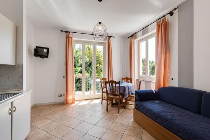 Appartment with private beach on quiet location