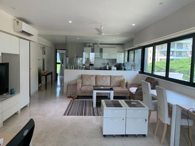 Luxurious, Modern, Bliss in Bandra Room 3