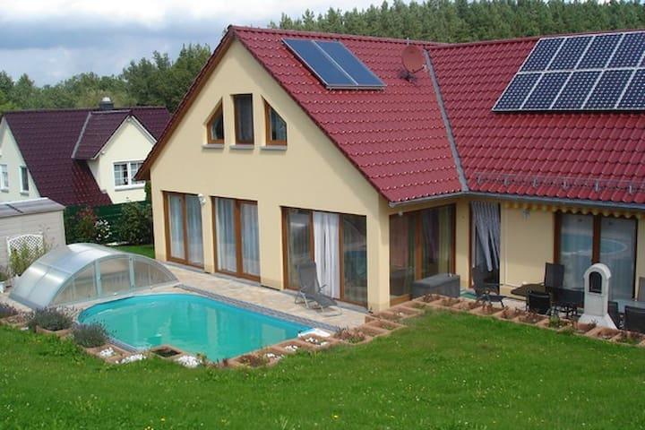 2 Zimmer im Einfamilienhaus mit Bad