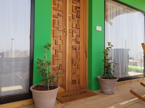 Tzahi Sandrossi Tzzimer (green cabin)
