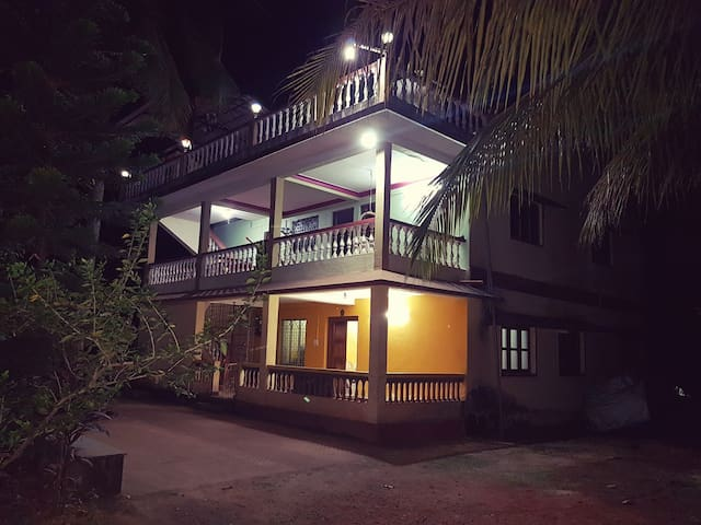 Dev Homestays- Home away from Home (Entire Home) - Sawantwadi - Wikt i opierunek
