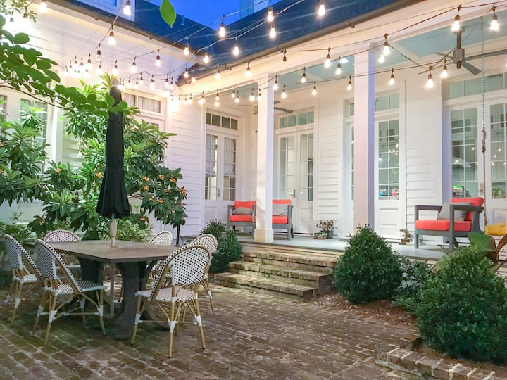 Lovely Gated Sanitized Home in heart of Uptown!