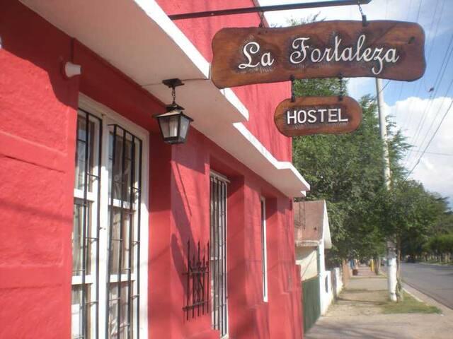 Hostel La Fortaleza,Cama   en un espacio  Armonico