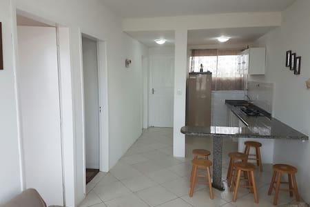 Apartamento Mobiliado em Laguna Frente Mar. - 拉古納(Laguna)