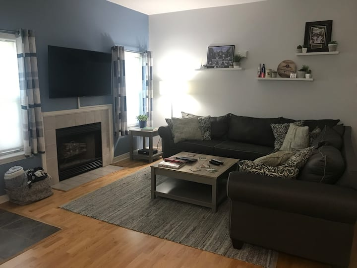 Newly Renovated Condo 20 Minutes from Boston