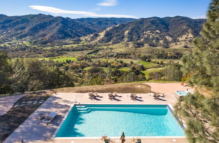 Amazing Cantelow Hills Estate - Vacaville - Hotel butikowy