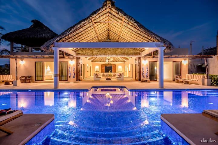 Casa Sunshine Luxury Beachfront Vacation Villa