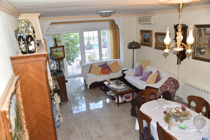 Lovely Villa with private pool - Sitges & beaches - Sant Pere de Ribes - บ้าน