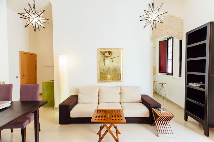 Spacious & beautiful apt in the centre of Seville