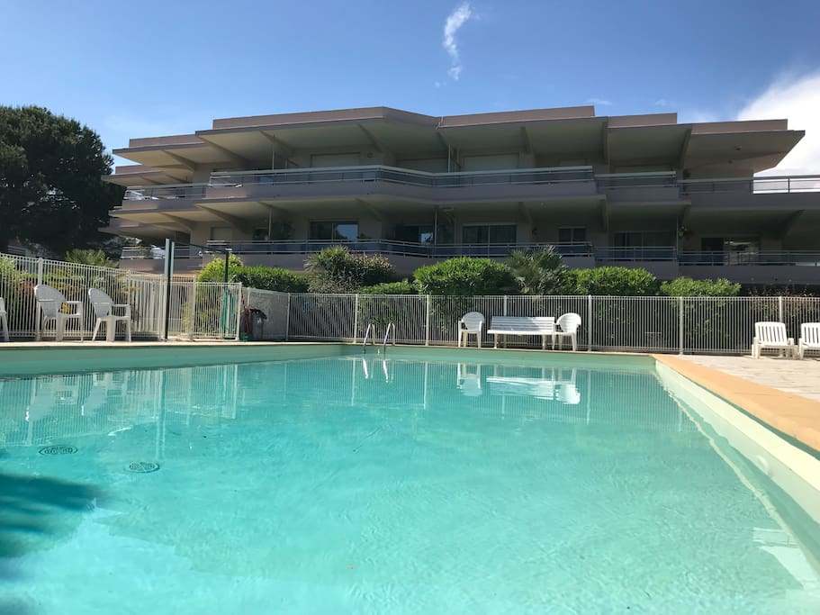 nice and quiet condo with great fenced pool