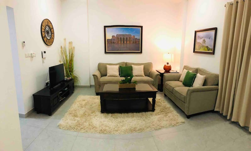 Heart of Muscat luxury Qurum apartment, furnished.