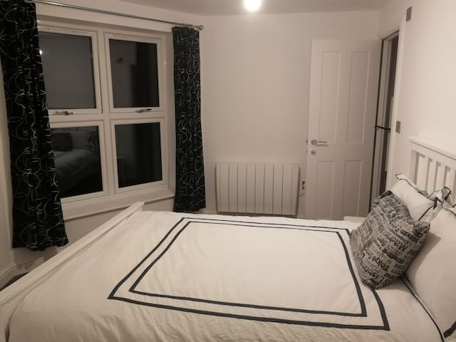 Cosy Ensuite Room in Southville, Bristol