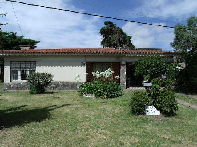 Casa cerca de la playa a 20 minutos de Montevideo