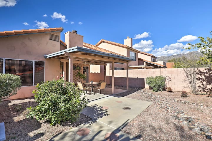 Tucson Area House w/Pool Access & Mtn Views!