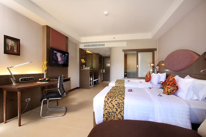 Blue Ocean Deluxe Room Double or Twin + ABF - Phuket - Bed & Breakfast