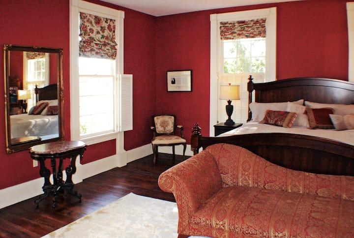 Dot 2 Dot Inn, the Red Room