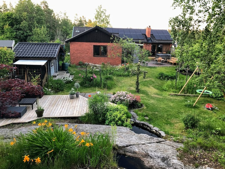 Magical garden, near nature and Stockholm city