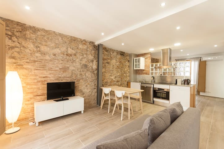 NICE LOFT IN THE CENTER OF TOSSA
