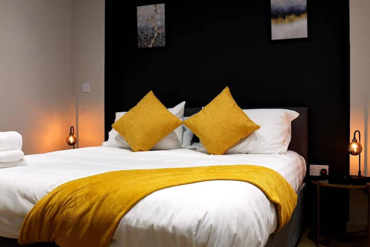 Cozy Snug in the heart of Peterborough City Center