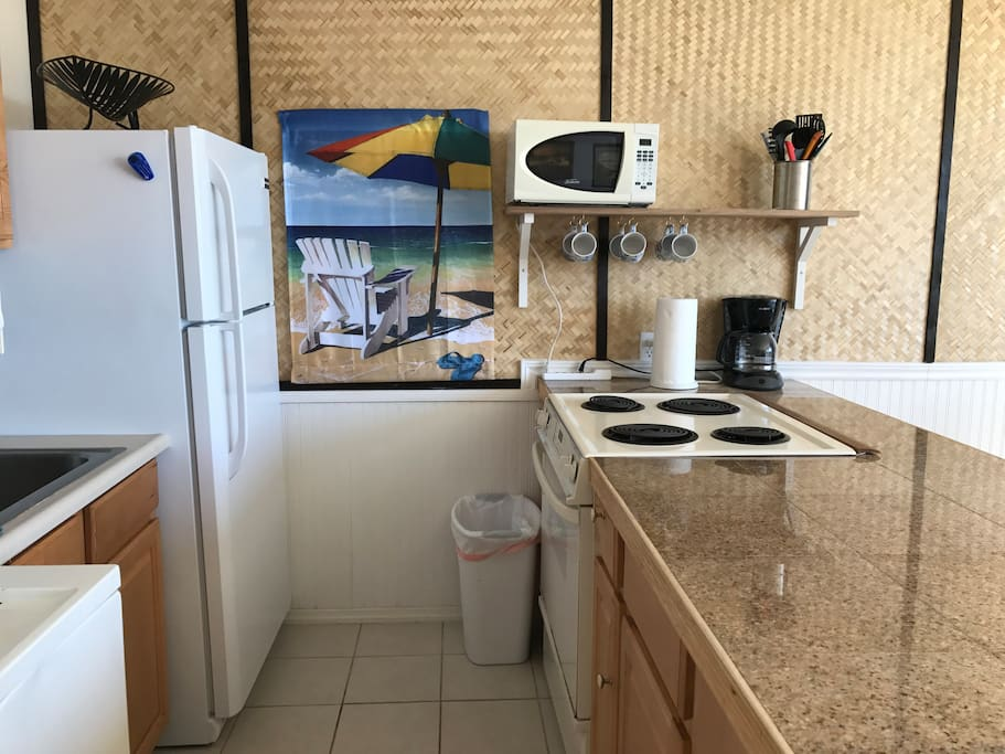 Full Kitchen with washer dryer