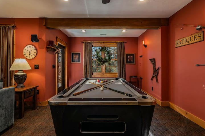 4 Bedroom Tall Pines Home--Persimmon Hollow -Game Room