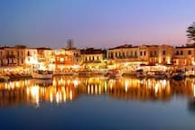 Venetian Harbor: only 20m away from the house