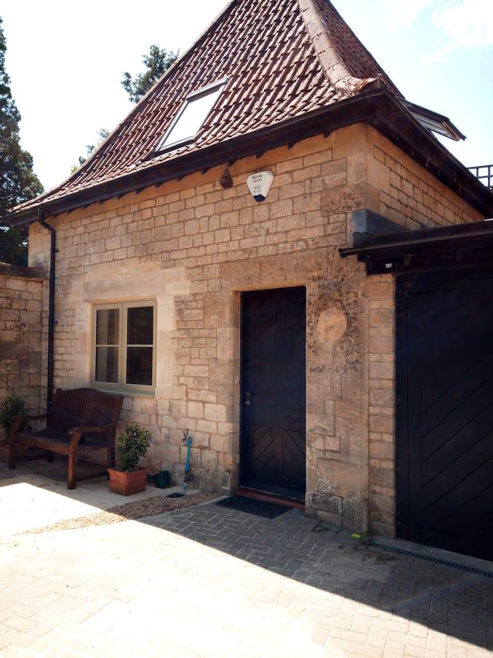 Unique luxury Cotswolds cottage, near Stroud