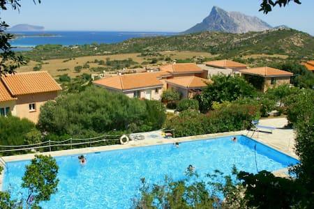 Villa indipendente con due bagni e bellissima vista mare
