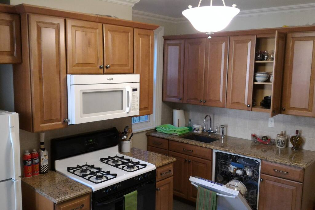 Large private room kitchen bath houses for rent in for United kitchen and bath