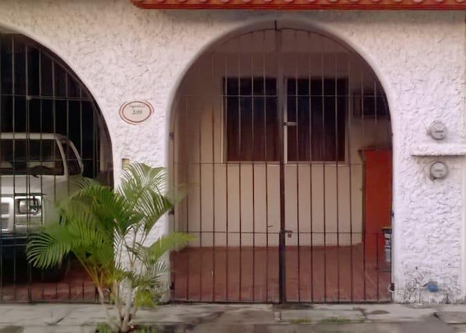 JARDINES DE VIRGINIA - Suite amueblada