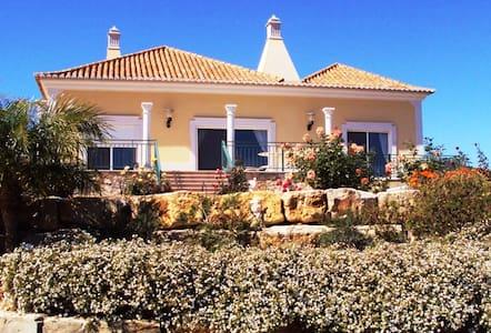Fabulous 3-bed villa with pool in quiet location - Santa Bárbara de Nexe