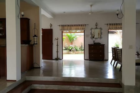 Spacious 4 Bedroom Villa - Malabe
