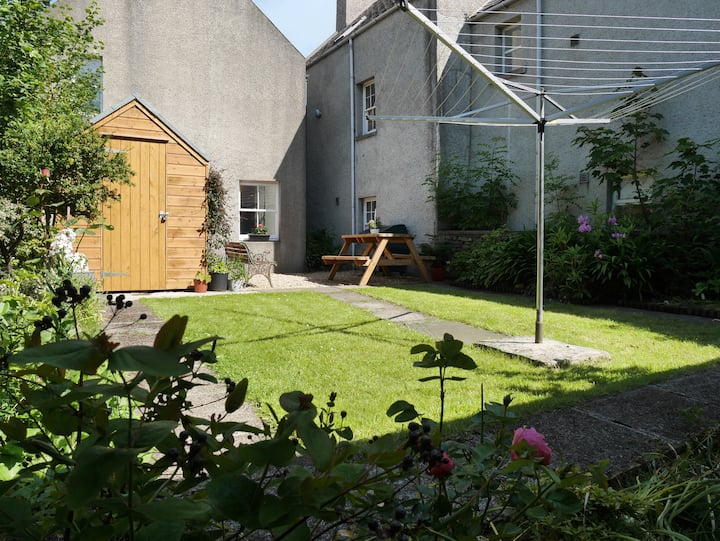 Attractive 2 bed property in central Kirkwall