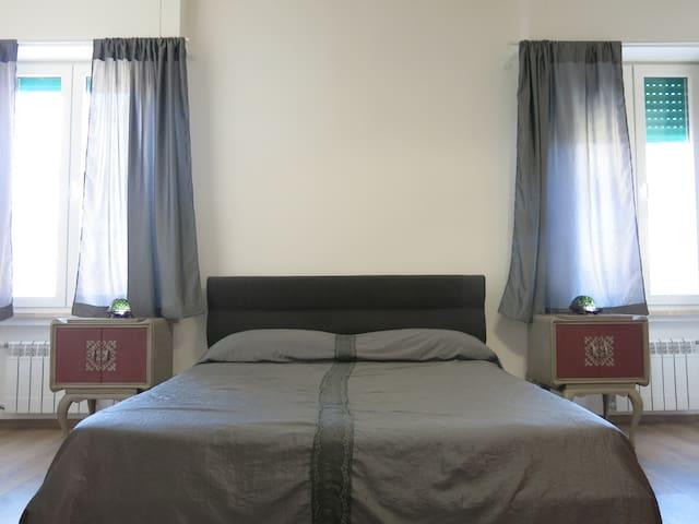 Suite La Grise - Guest House Maison 6