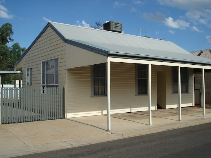 Fig Tree Cottage - Self contained accommodation