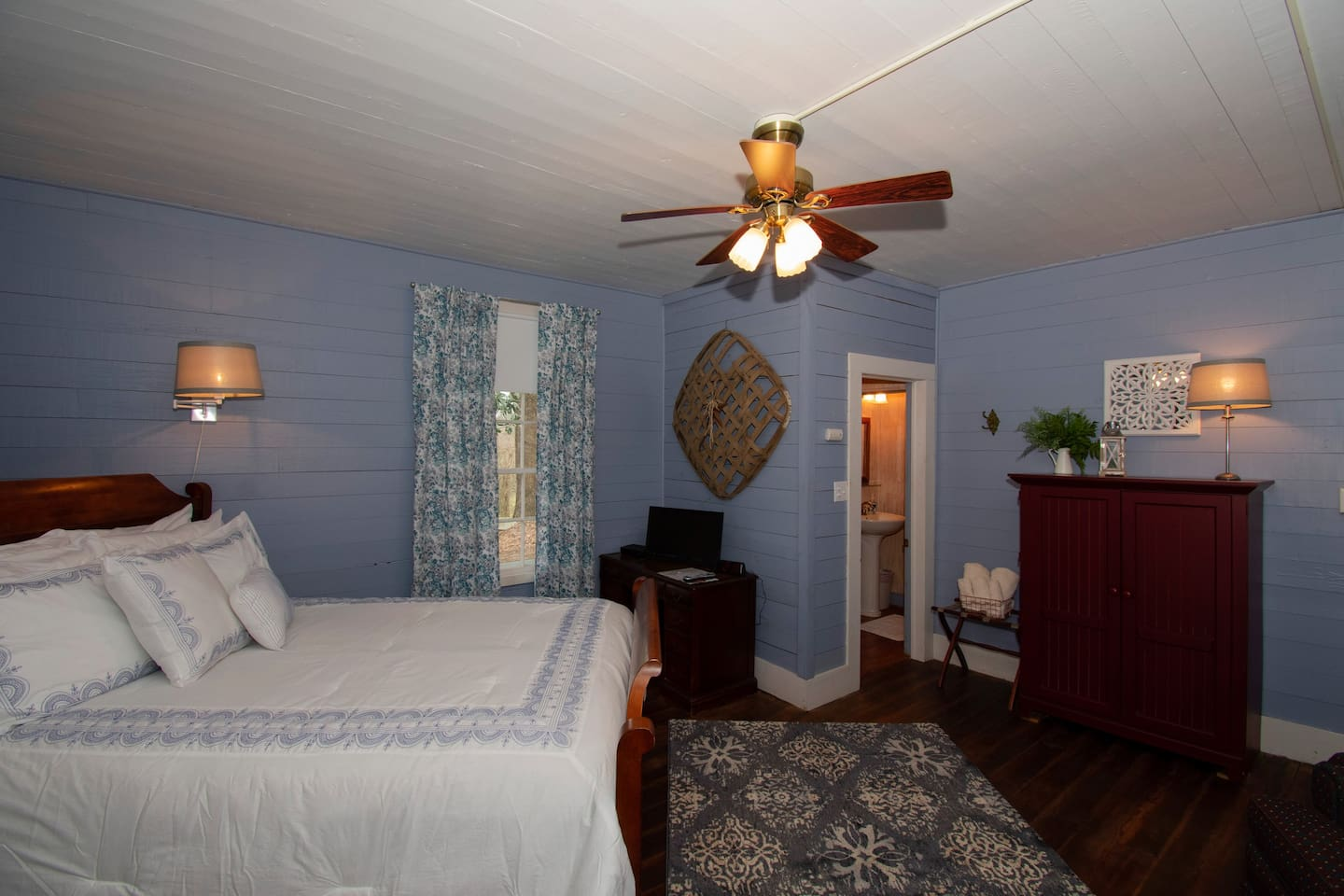 Another shot of Blue Ridge Room