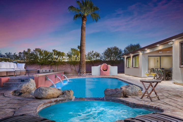 Central Scottsdale home w/heated pool & spa, Bocce ball court & putting green!